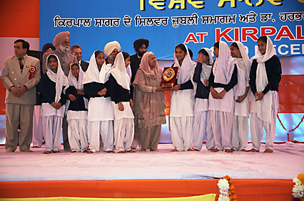 docu-2december_winner_shabad.jpg